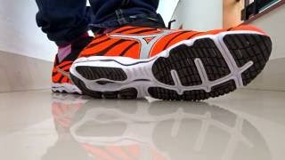 MIZUNO WAVE HITOGAMI 3 SHOES (TECHNOLOGY OF JAPAN)& MADE IN VIETNAM