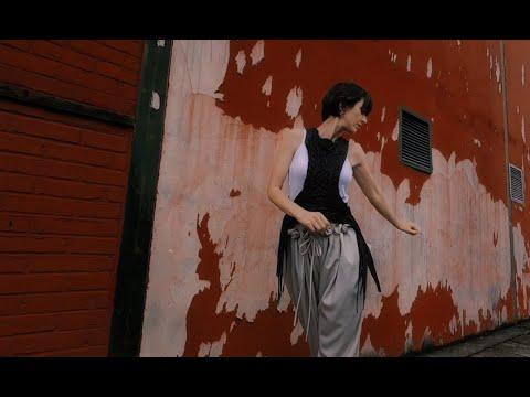 Pauline Croze - Je suis un Renard (clip officiel)