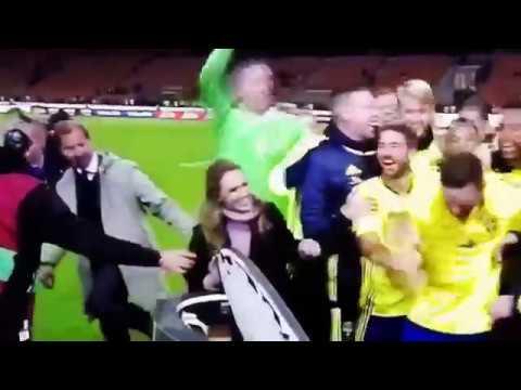 """Italien vs Sverige , Svergie tifosi cantare """"we go tu Russia"""""""