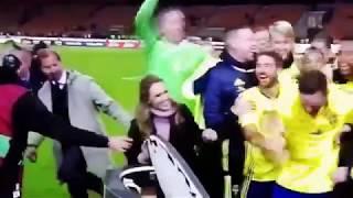 Italien vs Sverige , Svergie tifosi cantare