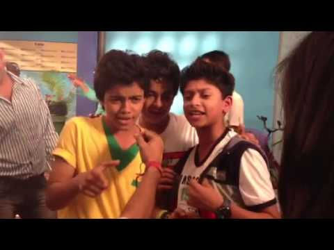 Fans of Yo Yo Honey Singh in shake it up mumbai - YouTube