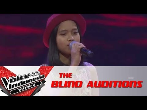 "Aura ""Kenangan Terindah""   The Blind Auditions   The Voice Kids Indonesia Season 2 GTV 2017"
