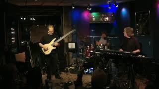 ELEKTRIK MARKET All Twelves Bass Solo