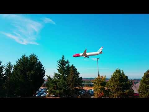 Norwegian Air 787 9 LN-LNL landing at SEA from LGW 9 24 17