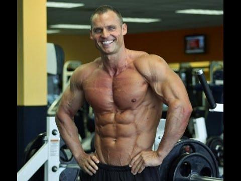 Jak trenovat ramena a  bricho - Martin Mester - Men´s physique