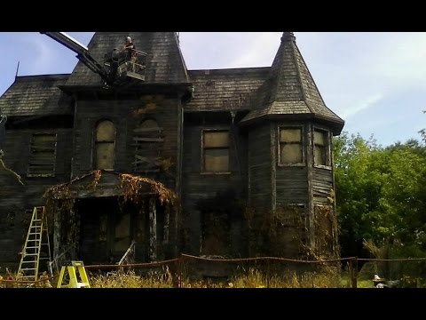 stephen king 39 s it filming location in oshawa ontario. Black Bedroom Furniture Sets. Home Design Ideas