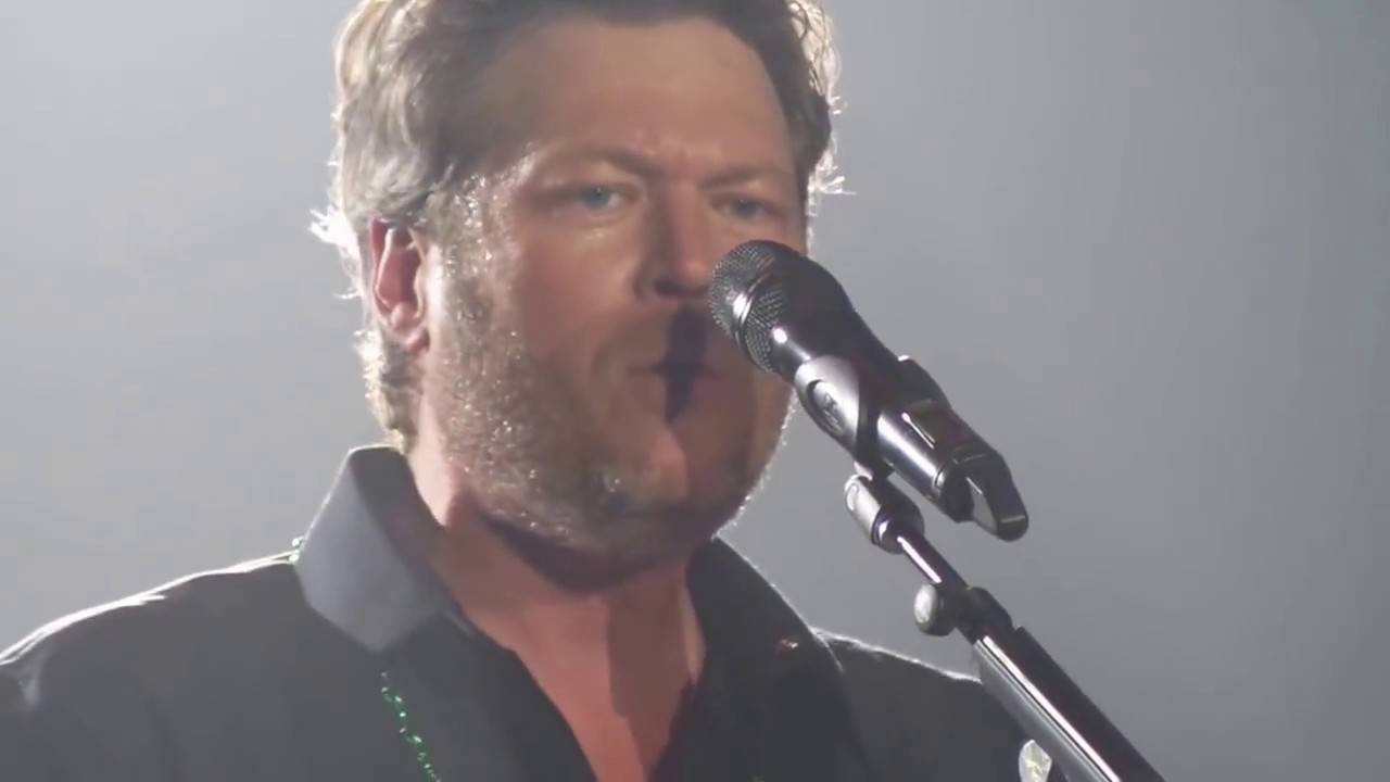 Blake Shelton Every Time I Hear That Song Rosemont Il
