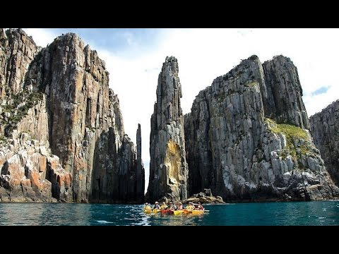 The Dolerite Columns of Coastal Tasmania - Natural Wonders Of The Earth