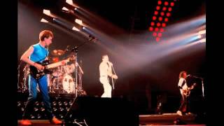 3. We Will Rock You-Fast (Queen-Live In Hamburg: 5/16/1982)