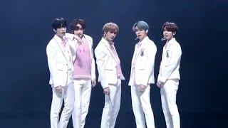 TXT (투모로우바이투게더) - Intro + Crown + Run Away  Seoul Music Awards 2020
