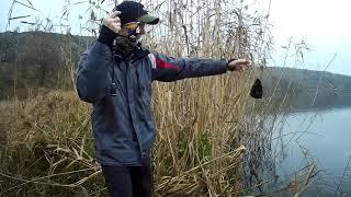рыба клюет на БУБОЧКУ зимняя рыбалка на спиннинг