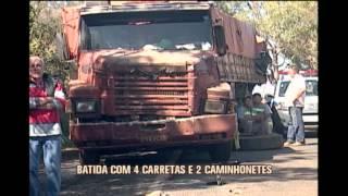 Carretas pegam fogo em grave acidente na BR-262, no Triângulo Mineiro