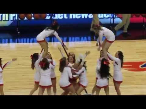 Marist College Cheerleaders and Dance Team Performs vs Quinnipiac Men