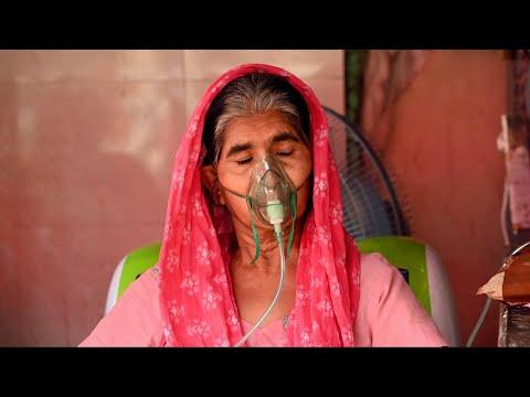 India hits new COVID-19 case record