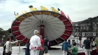 mexican hat (trabant)fairground ride (burntisland 2012)