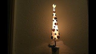 Weihnachtsdeko DIY,Tannenbaum mit Beleuchtung und Naturmaterialien dekoriert/Fir Tree with lighting