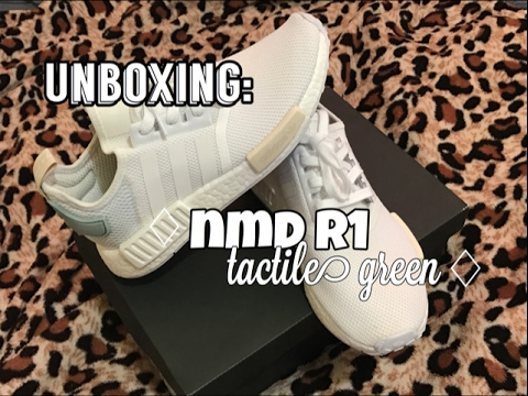 ccc1ab0e5acc3 UNBOXING  ADIDAS NMD R1 - TACTILE GREEN - YouTube