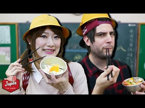 EATING JAPANESE SCHOOL LUNCH