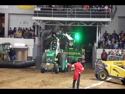 tractor pulling fun louisville 2017 7