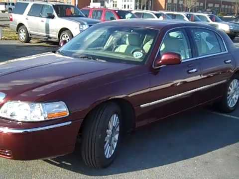 2004 Lincoln Town Car Ultimate Youtube