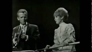 Watch Dusty Springfield Wishin And Hopin video