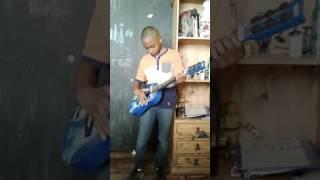 Crazy gitar player