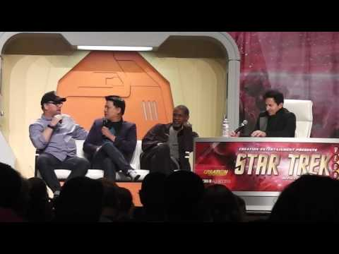 Voyager Part 2 of 2 at the 2017 Star Trek Convention