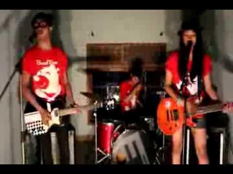 lollypop-monster---dear-heart-(official-music-video)