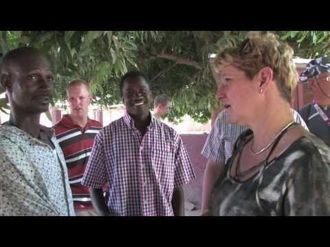 Gambia: Bezoek Narang Health Centre in Jiboro