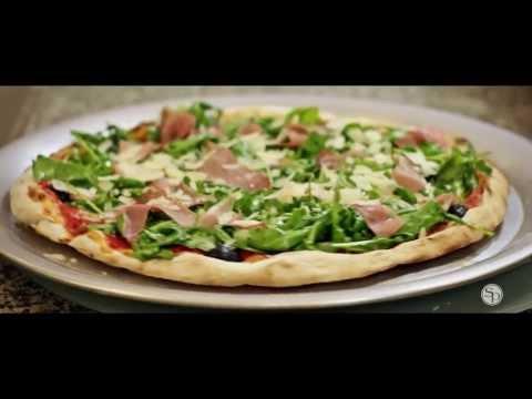 recette-pizza-au-jambon-cru-&-roquette-à-la-truffe
