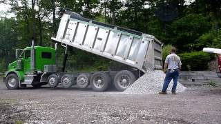 Kenworth T800 Dumping Gravel