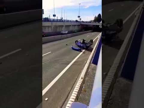 Espectacular accidente en el túnel de La Marga