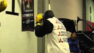 jhonny gonzalez on double end bag - EsNews boxing