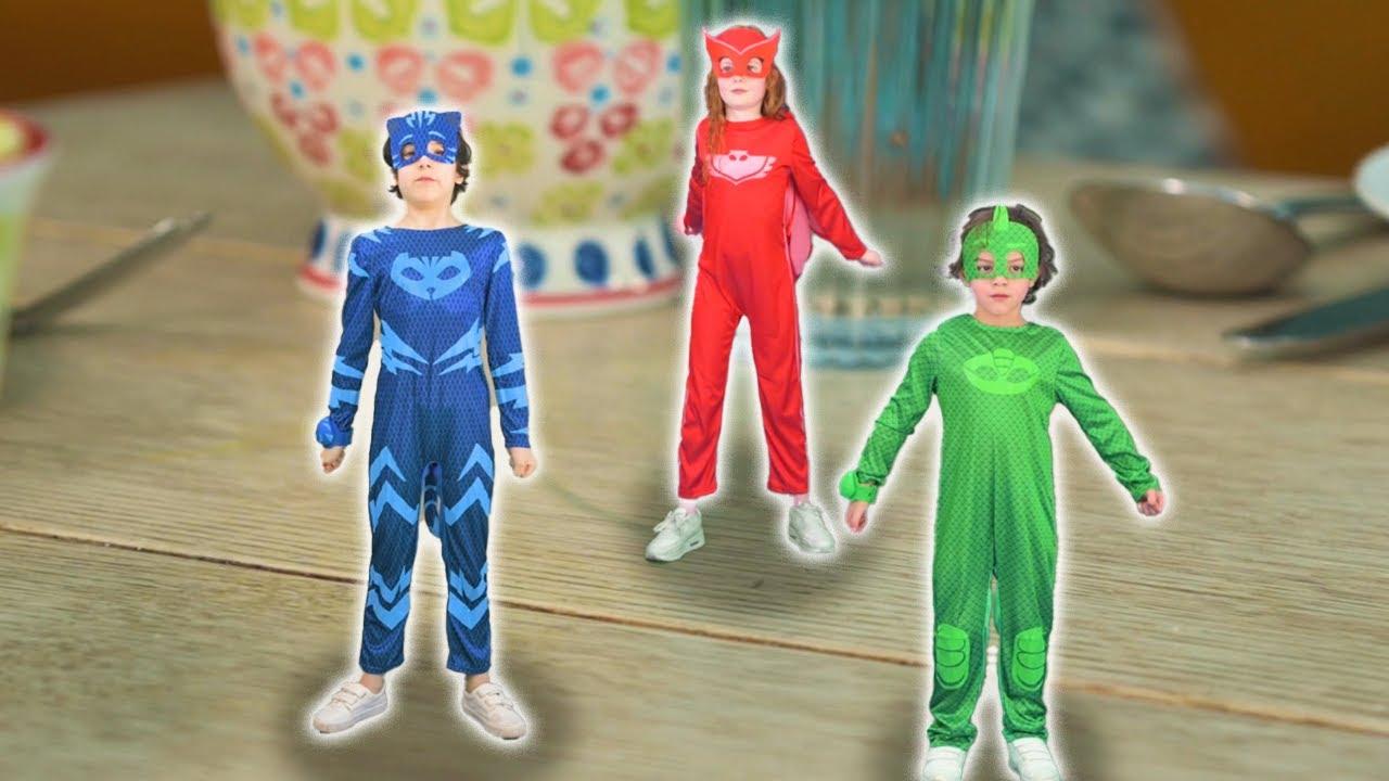 PJ Masks na vida real ⚡ Pequenas PJ Masks! ⚡ Romeu encolhe os heróis!  Desenhos Animados