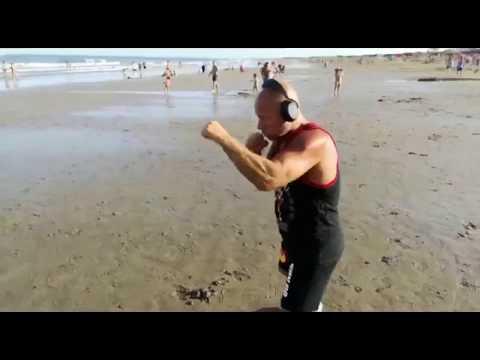 Kurzer Ausschnitt aus einer Box-Trainingseinheit! Sport Forever - Peace - Michael Kuhr Security -