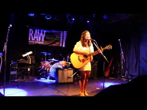 Jaclyn Ortiz at Chicago The Blend 05/24/2012