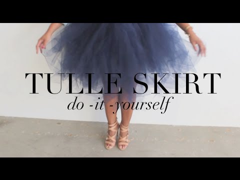 {diy}-tulle-skirt...-your-inner-carrie-bradshaw-will-thank-you!