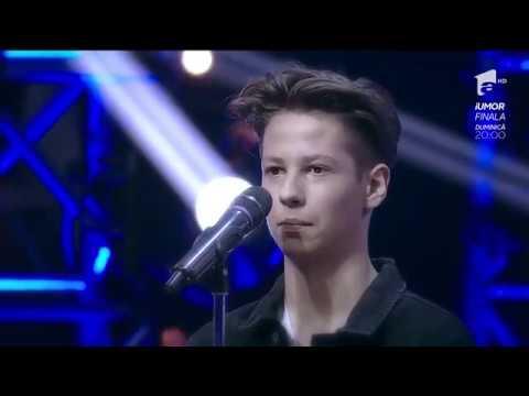 """Şoc pe scena X Factor! """"Tu vrei să rămâi în acest concurs?"""" Teodor: """"Îmi este indiferent"""""""