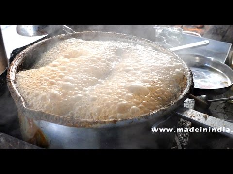 ROAD SIDE TEA MAKING | MUMBAI STREET FOOD | STREET IN MUMBAI | 4K VIDEO