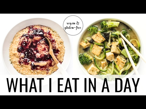 18. WHAT I EAT IN A DAY | 5 minute vegan meals
