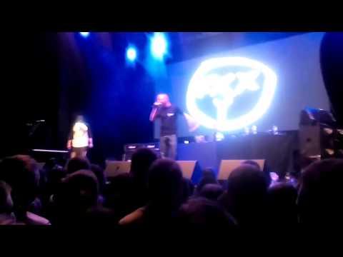 Выступление Оксимирона перед концертом Yelawolf в Москве