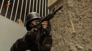 OURO VERDE - Policiais entram na favela