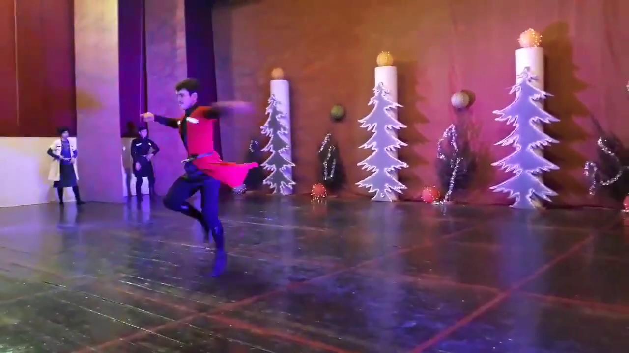 კუჩხიბედნიერი  უმაგრესი მოცეკვავეები  ცეკვა კავკასიური