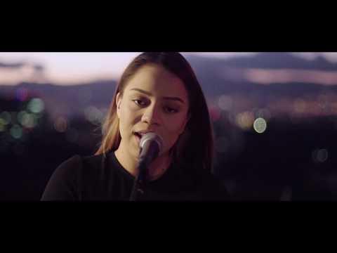 TRENDING - Por La Fe (Videoclip Oficial)