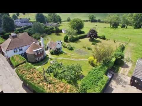 4 Bed Detached Farm House and Oast in Hodsoll Street, Sevenoaks