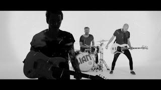 L I A N | Pauken & Trompeten [offizielles Video]
