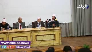 'الأزهري' في تكريم حفظة القرآن:'أنا خادم لكل موهبة على أرض الوطن'.. فيديو وصور