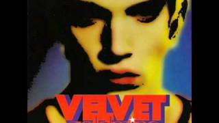 Jonathan Rhys Meyers singing Babys on Fire - Velvet Goldmine