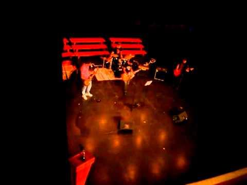 Combo de rock The Black Tones & Alvaro cover la fuga: Majareta