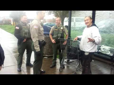 Clackamas Sheriffs treat a Homeless man with respect